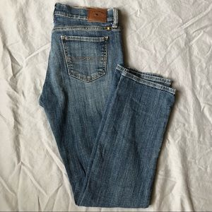 Lucky Brand sweet straight mid rise jean size 10